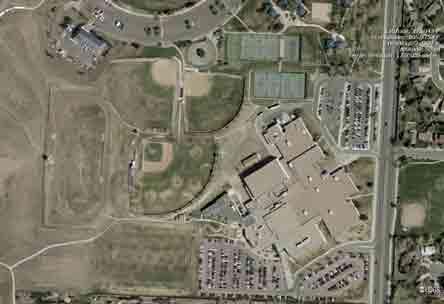 Más de 20 escuelas son cerradas por amenaza de bomba en secundaria de Columbine