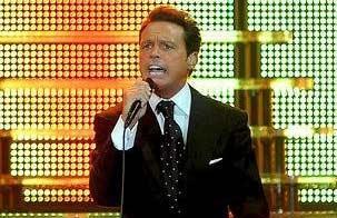 Nuevamente vendría Luis Miguel al Festival de Viña y aseguran que se le volverá a pagar sobre un millón, pero en dólares!
