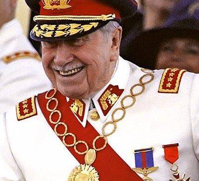Pinochet, el Presidente que devolvió la institucionalidad a Chile, para entregar el poder a la democrácia.