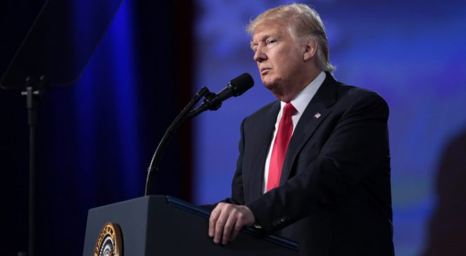 Trump amenazó con involucrar las Fuerzas Armadas, si hondureños insisten en entrar a EE.UU.
